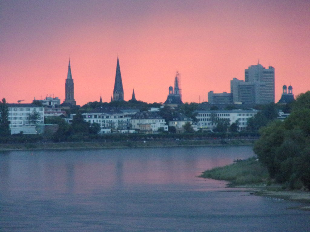 (c) Péter Gaál, Bonn/Gaalingua; Bonn'da gün batımı – Sonnenuntergang in Bonn